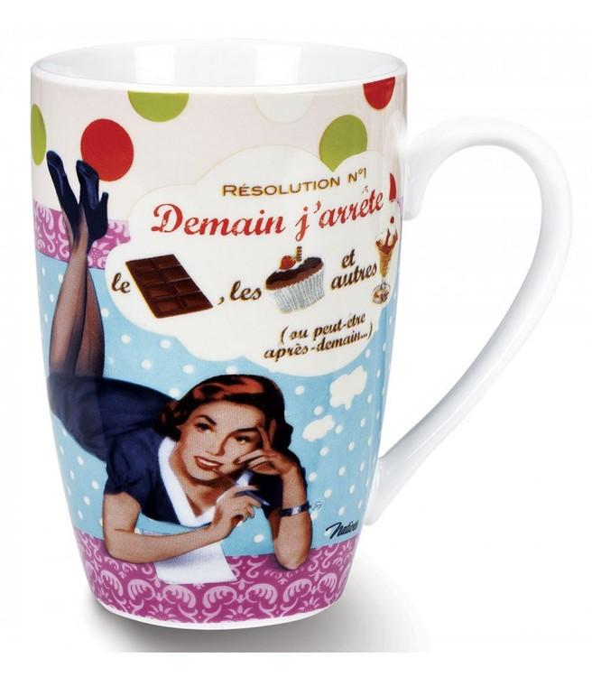 Porslinsmugg stor för kaffet, en kvinna som ligger och tänker som motiv.