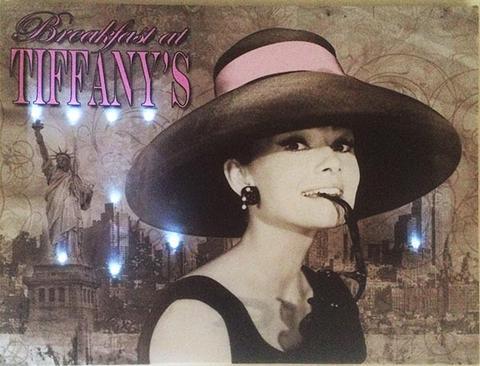 Tavla i canvas med ledlysen, Audrey Hepburn, Breakfast at Tiffany's.