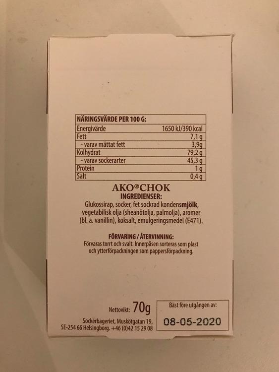Innehållsförteckning på ako-kola godis, choklad.