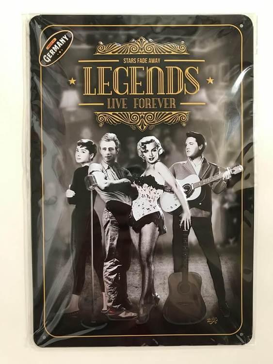 Plåtskylt med legender på, bland annat Elvis och Marilyn.