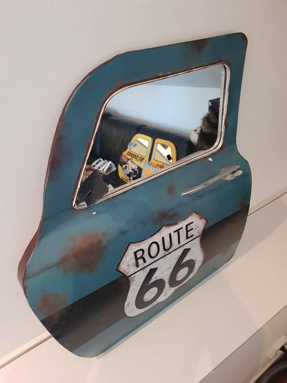 Plåtdörr med spegel i, turkos, route 66.