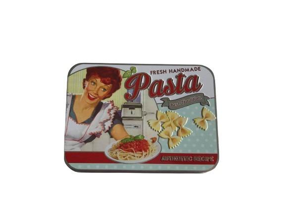Förvaringsburk i plåt för pasta, i retrostil.