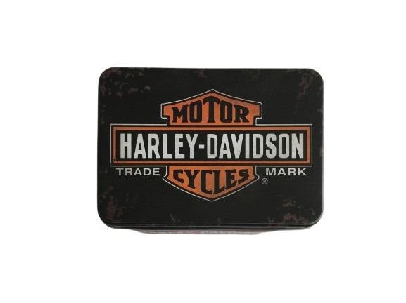 Motor Harley Davidson Cycles som motiv på denna plåtburk i svart.