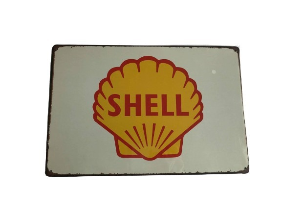Plåtskylt med shells logga på i gammal look.