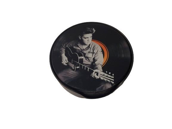 Underlägg till glas, Elvis lirar gitarr som motiv, svarta.