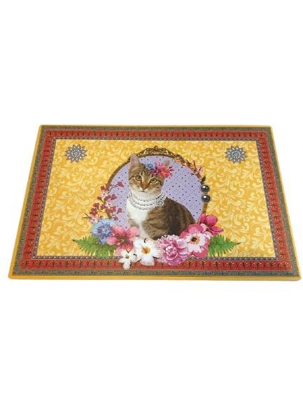 Gult plastunderlägg till katternas matskålar, katt som motiv.
