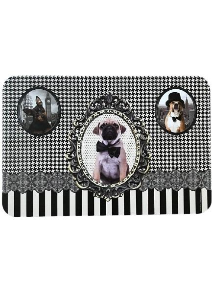 Underlägg till hund, svartvit med hundmotiv och storlek som en bordstablett.