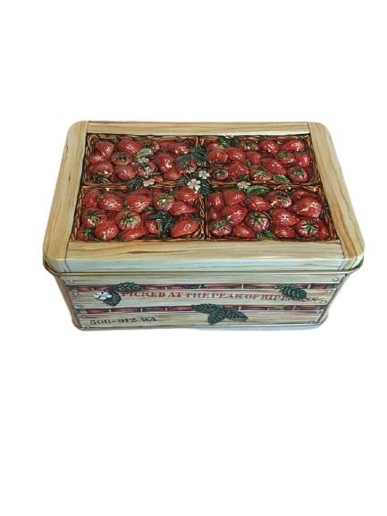 Plåtburk med jordgubbar som motiv, sommar.