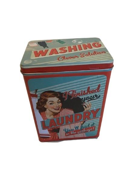 Plåtburken att förvara tvättmedlet i, retrostil i rött och grönt.