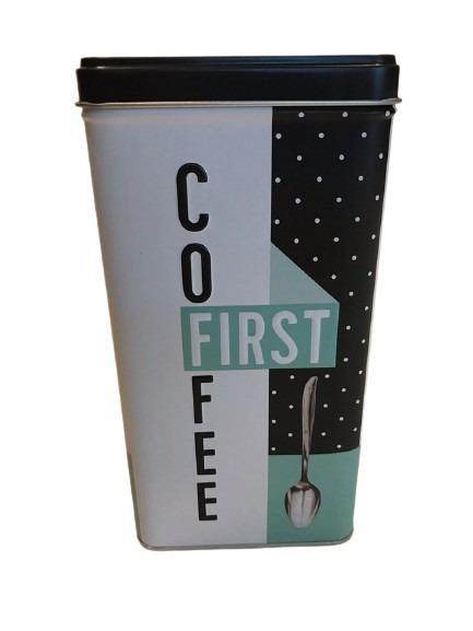 Plåtburk med färgerna svart, turkos och vit, coffee first.