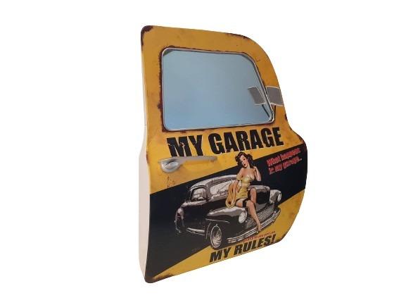 Bildörr med spegel till fönster, gul och svart med en pinuppa på, my garage.