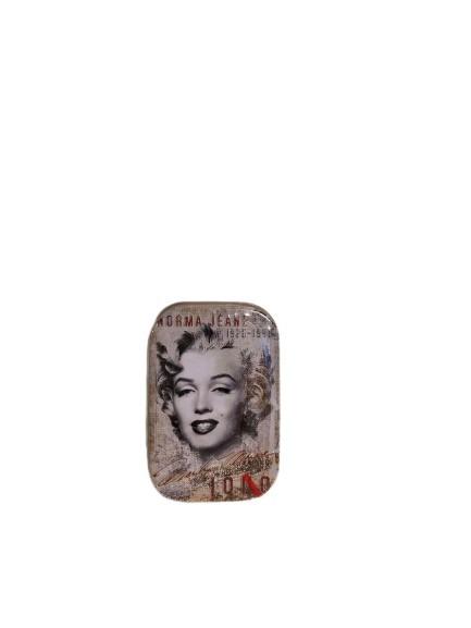 Liten plåtask med mintpastiller i, motiv av Marilyn Monroe.
