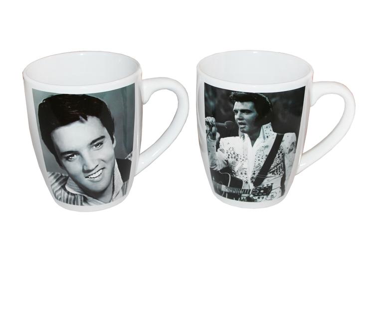 2st vita kaffemuggar med svartvita foton av Elvis Presley på.