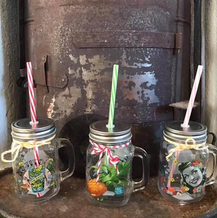Mason jars, flera olika motiv.