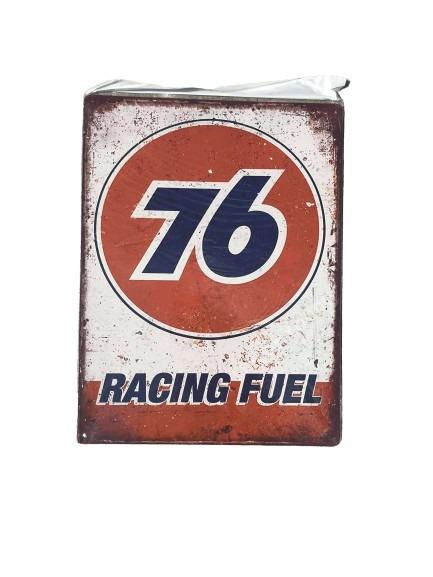 Plåtskylt 76 racing fuel med sliten look.