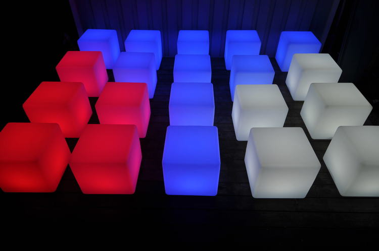 เช่าก้อน LED ขนาด 40 x 40 ซม. สำหรับการจัดงาน - รีโมท LED RGB