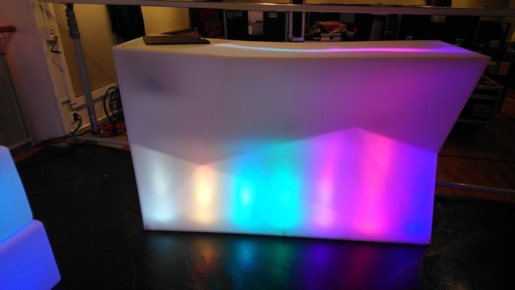 บาร์, Vondom Faz บาร์ไฟ LED หลายแบบ - การออกแบบสเปน