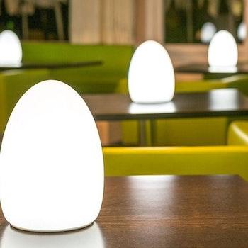 เช่าโคมไฟตั้งโต๊ะ LED TABLE - ชาร์จใหม่ได้