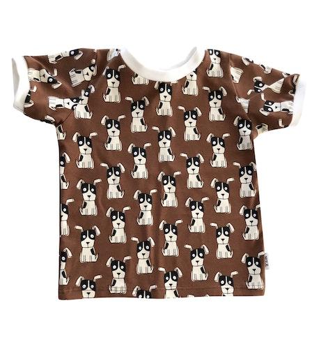 T-Shirten hunden brun