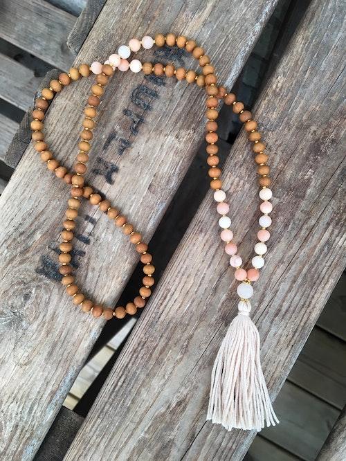 Långt halsband/mala – Aventurin & sandelträ