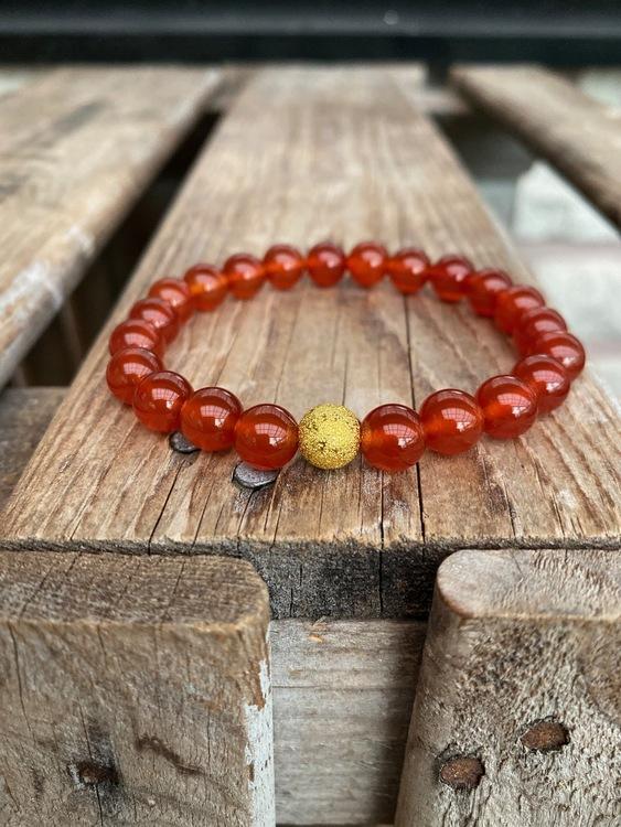 Armband – Karneol & guldpärla