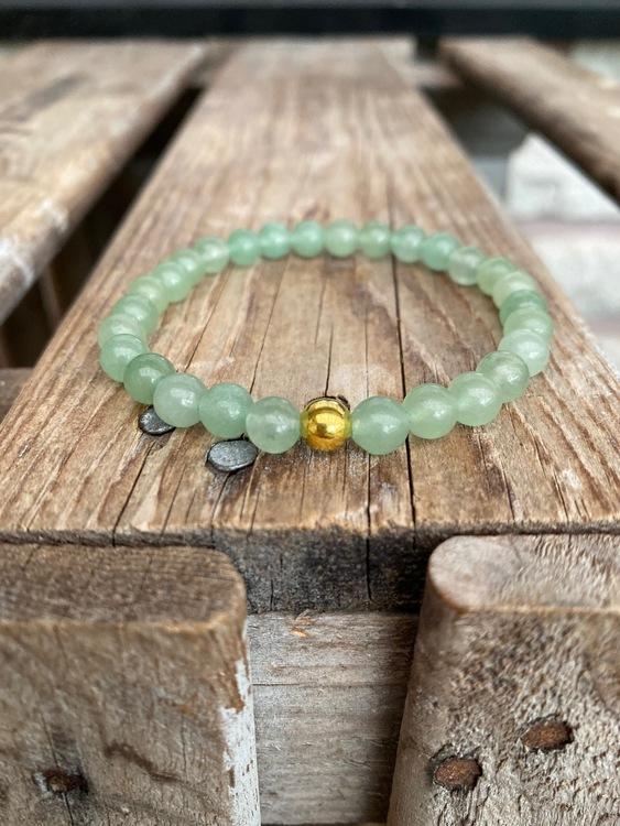 Armband – Grön aventurin & guldpärla