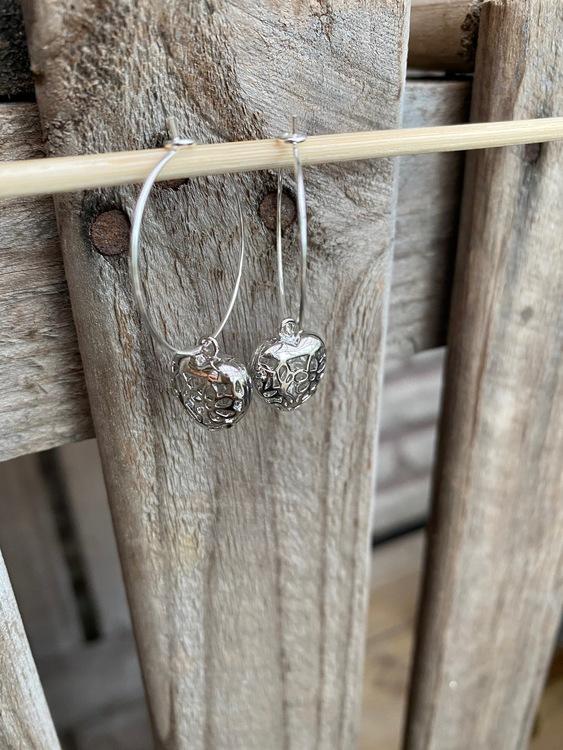 Örhängen – Hjärtan i silver
