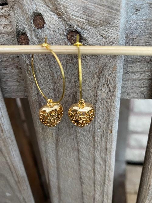 Örhängen – Hjärtan i guld