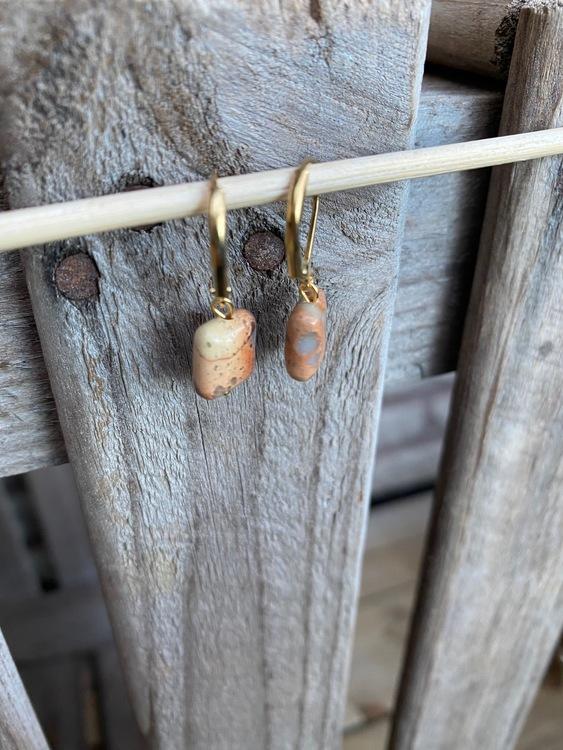 Örhängen – Impression jaspis, rödbrun