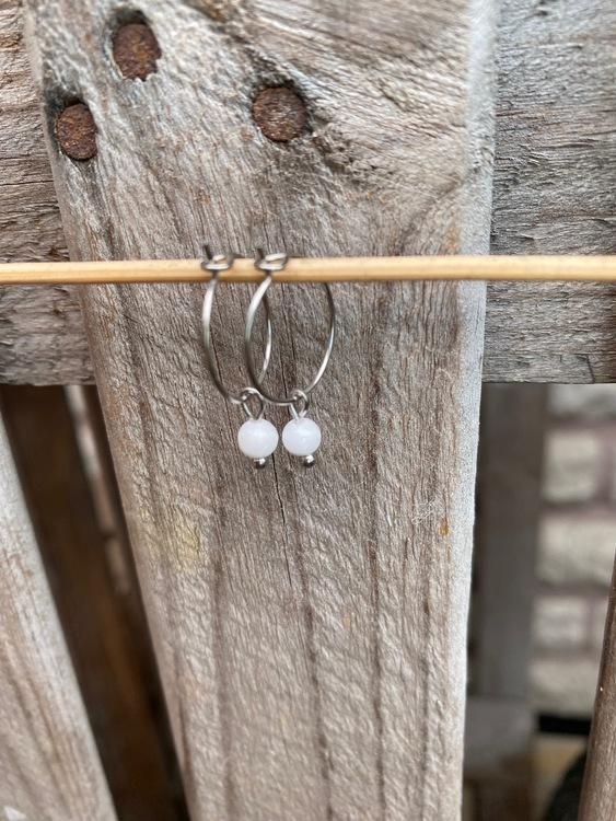 Örhängen, mini – Vit jade