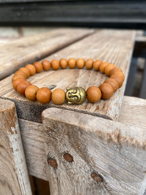 Armband – Sandelträ & buddha