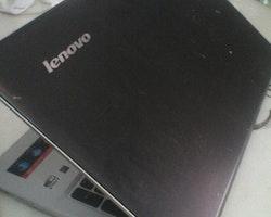 "Lenovo 500-15ACZ 15.6"" Full HD A8-8600P / R5-M330 / 6GB / 128GB SSD / Win 10"