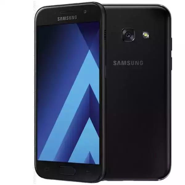 Begagnad Samsung Galaxy A3 A320F Svart, 16GB