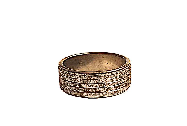 Silverfärgad glittrig stålring