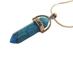 Halsband med turkosblå spetsformat hänge