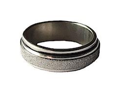 Silverfärgad stålring med glitter