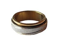 Guldfärgad stålring med glitter