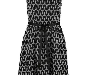 Spets klänning, svartvitt