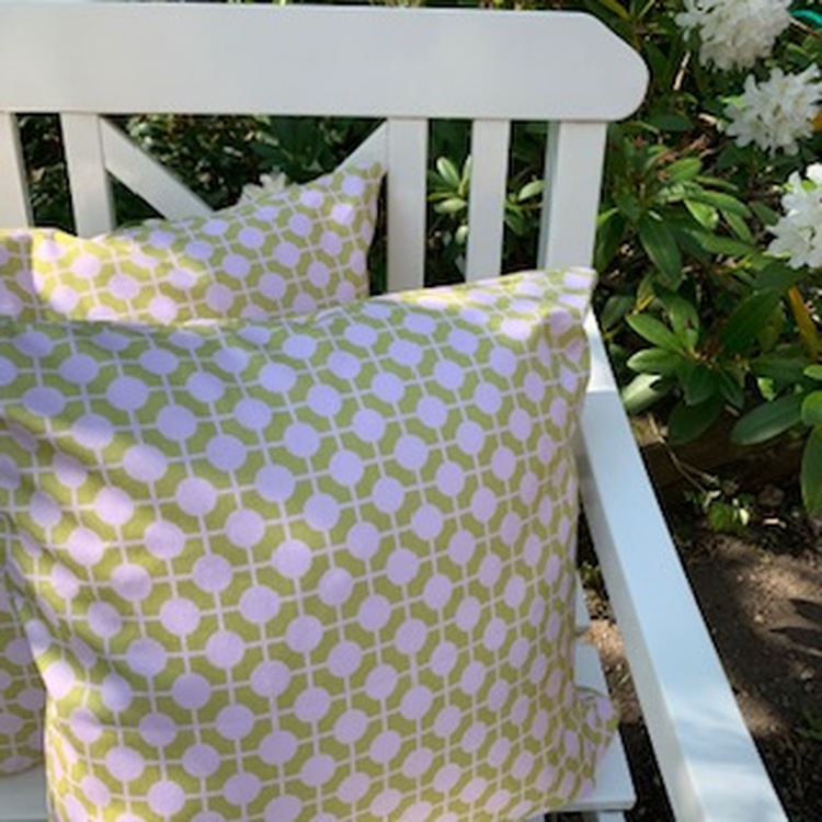 Pillow Hiddenshe Green/Pale pink