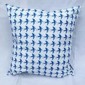 Pillow Swallow
