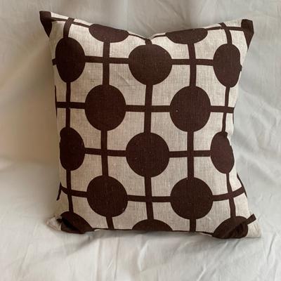 Pillow Hiddenshe Linen