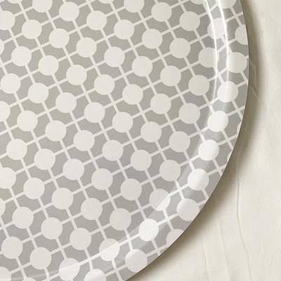 Tray Hiddenshe Gray/white
