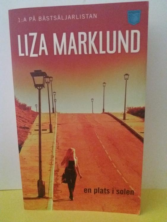 LIZA MARKLUND  EN PLATS I SOLEN