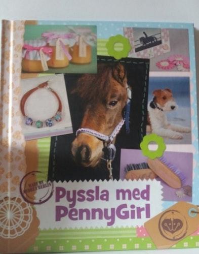 PYSSLA MED PENNYGIRL