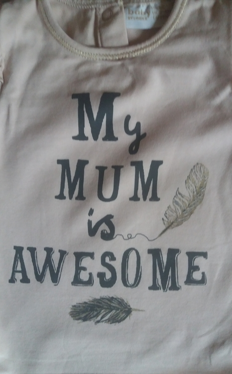BODY MY MUM IS AWESOME   (  BEGAGNAT )