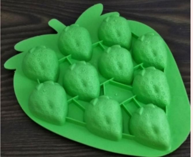 Form för isbitar, jordgubbar ( NY )