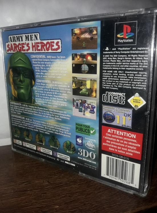 ARMY MEN SARGE'S HEROES REAL COMBAT. PLASTIC MEN. ( BEGAGNAD  )