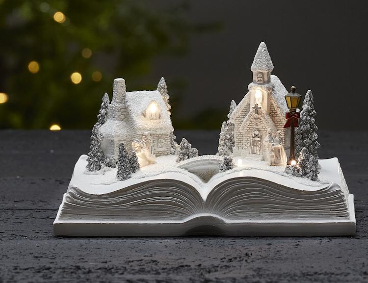 Sagolik julby - finns i God gärnings designbutik