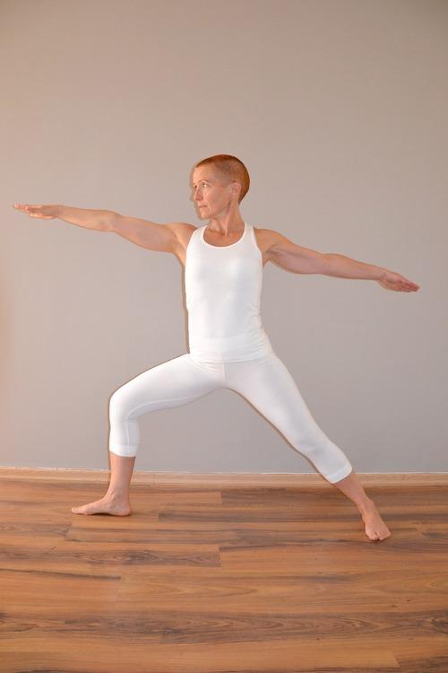 Smidiga och följsamma bambutights för träning och yoga. vita