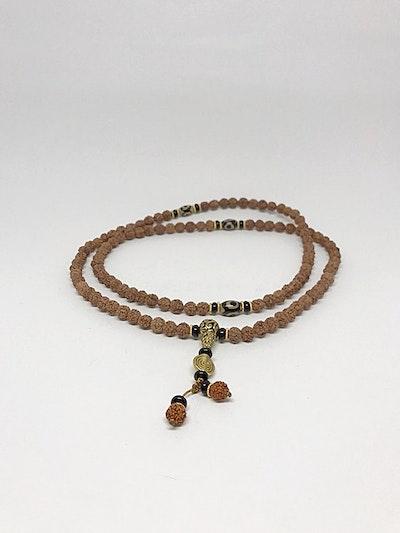 Halsband MALA, rudrakshastenar